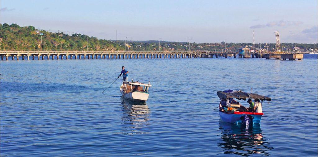 Nelayan di Pelabuhan Perikanan Kelurahan Alak, Kupang, NTT