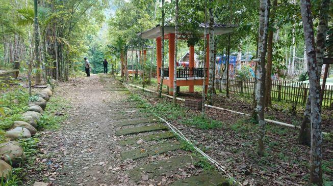 Pintu masuk Bukit Cogong